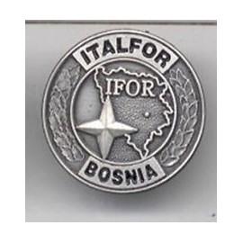 DISTINTIVO COMMEMORATIVO MISSIONE MILITARE ALL'ESTERO - BOSNIA ITALFOR-SFOR - METALLO